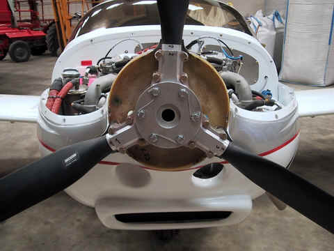 3-Blade Warp Drive HPL Propeller on a Rotax 912 Powered Europa shown with Spinner Removed Revealing Properly Installed Crush Plate